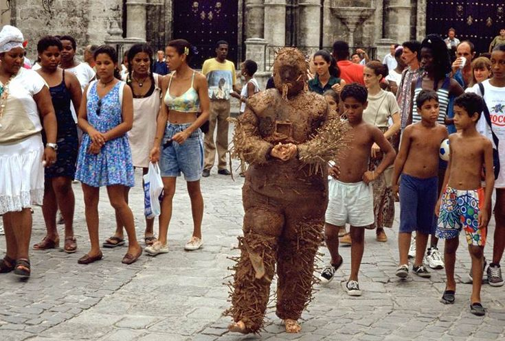 FREEDOM FOR TANIA BRUGUERA http://www.widewalls.ch/freedom-for-tania-bruguera-protest-for-arrested-cuban-artist/ #ArtNews #Cuba #Tania_Bruguera