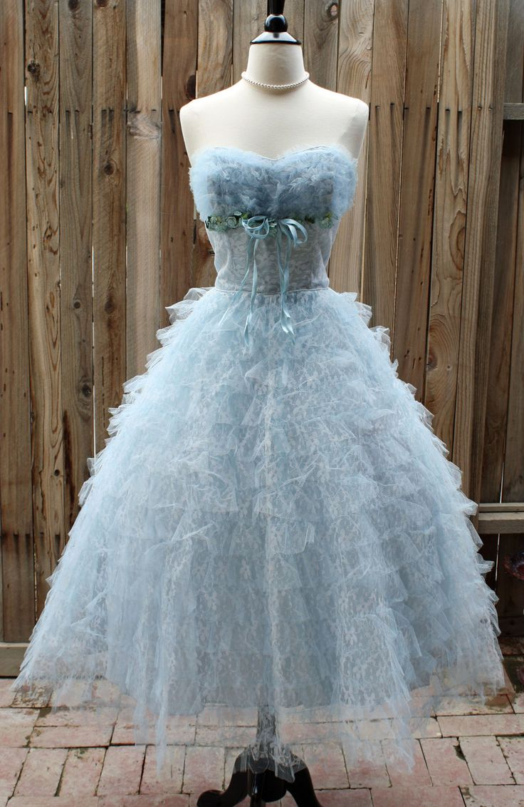 1950s Vintage Baby Blue Tulle Lace Sweetheart Gown