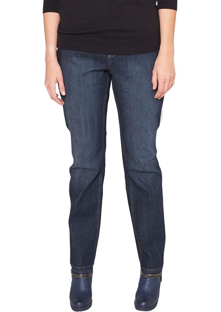 """Jeans Authentische Waschung. Kontrastive Nähte. Klassische 5-Pocket-Form mit Reißverschluss. Figurbetonte Passform """"Kurvig"""" mit leicht vertieftem Bund und geradem Bein für eine ausgeprägte Hüfte, einen runden Po und stärkere Oberschenkel. Baumwolldenim mit geringem Stretchanteil. Diese Bleujeans ist ein absoluter Klassiker, passt einfach zu allem und sollte in keinem Kleiderschrank fehlen..  Ma..."""