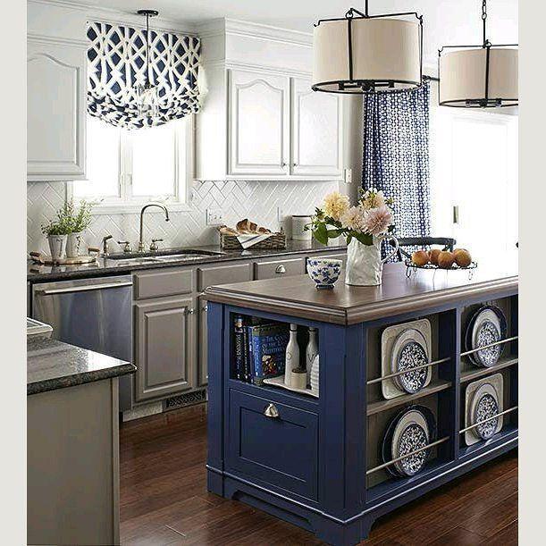 Painted island. Кто сказал, что вся кухня должна быть в одном цвете?)))Приведу несколько примеров - вы же очень любите кухни #kitchen_golhouse