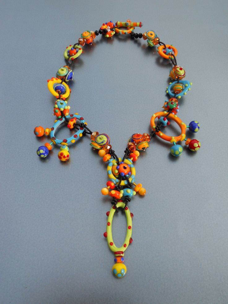 necklace by gretchen schueller of piece of mind gorgeous lampwork beads by sharon peters bead