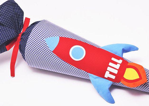 Inspiration für den Schulanfang und die Einschulung: Schultüte Rakete / inspiration for the first day of school made by Josefines Kinder via DaWanda.com