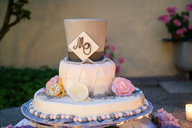 wedding in wonderland...the cake