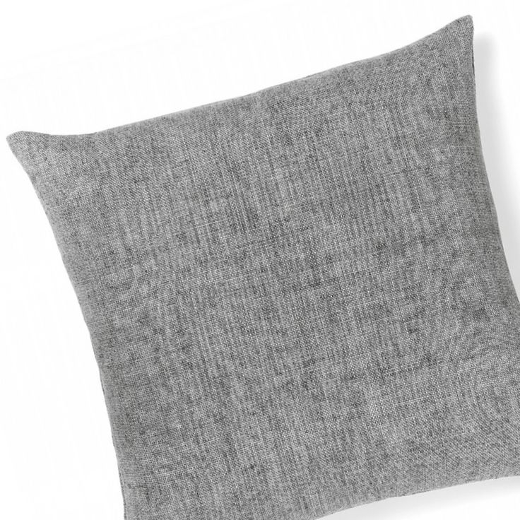 Small details can make the biggest impact & we think our Vintage Linen Cushions (shown here in Smoke) can make that final touch! Made from pure cotton velvet one side, natural linen the other & featuring a stylish brass zipper (50cm x 50cm) ⚡️Get yours for $69.95 online & in-store.