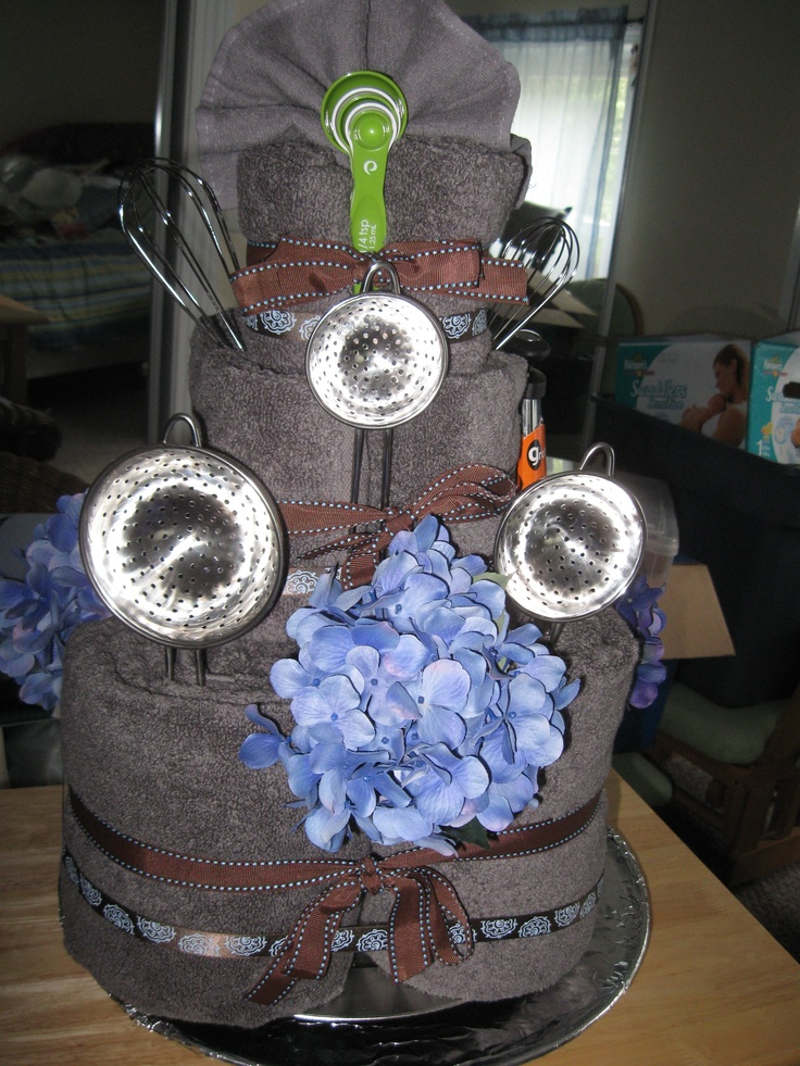 gifts to give for bridal shower games%0A A Towel Cake for Bridal Shower