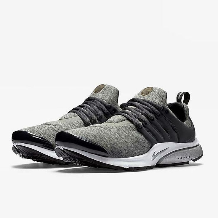 The Tech Fleece family is growing day by day at Nike, now the Swoosh  compagny introduce us the Nike Air Presto TP Tech Fleece QS in black or  gray.