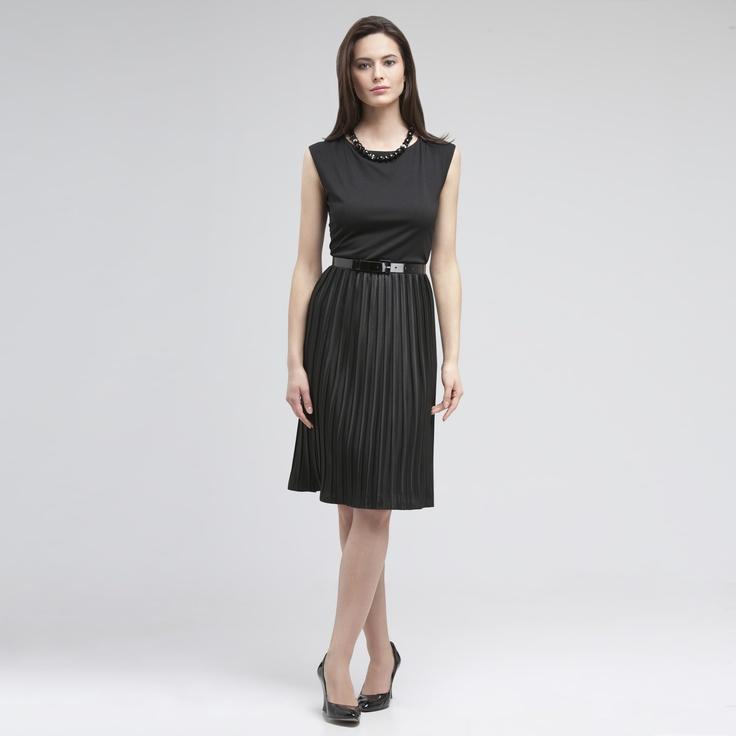 Jones New York Sleeveless Pleated Dress