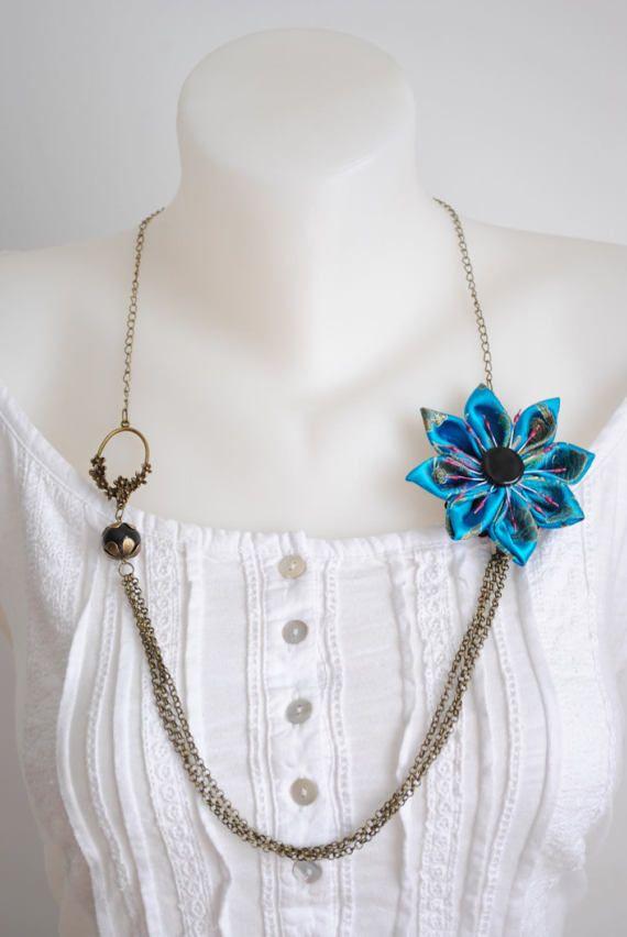 Azul flor kanzashi de collar  joyas de cerámica hecha a mano