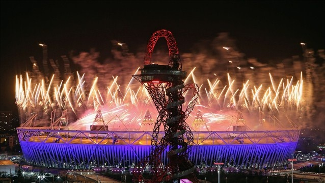 Fireworkslight upthe Olympic Stadium and Orbit during the Closing Ceremony as Rio 2016 give the audience a taste of what is to come in four years time.