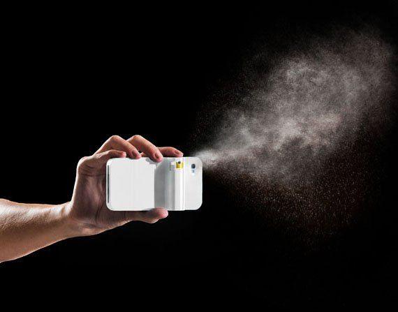 Spraytect, case per iPhone con spray al peperoncino
