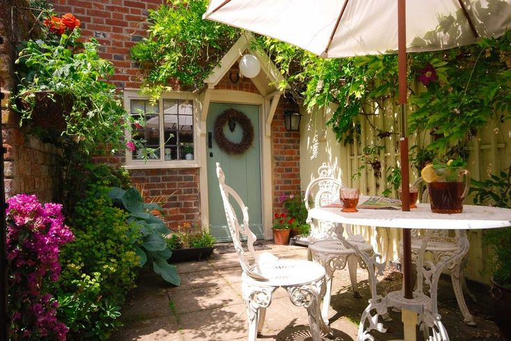 a pretty private courtyard