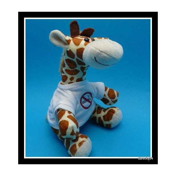 žirafa s tričkem