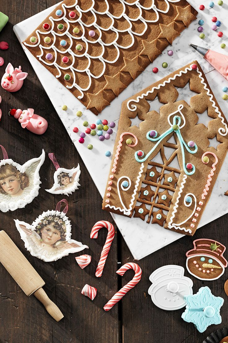 Make, create and decorate a gingerbread house www.pandurohobby.com Christmas Sweets by Panduro  #sweets #DIY #gingerbread #house #candy #cane #godis #pepparkakor #kristyr #pepparkakshus