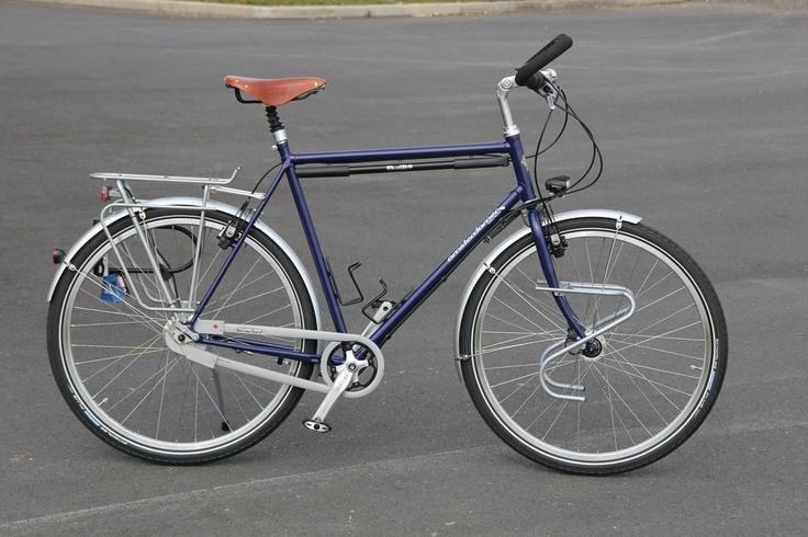 Velo cyclotourisme Amsterdamer - Opal, couleur kobalt, vu de profil.