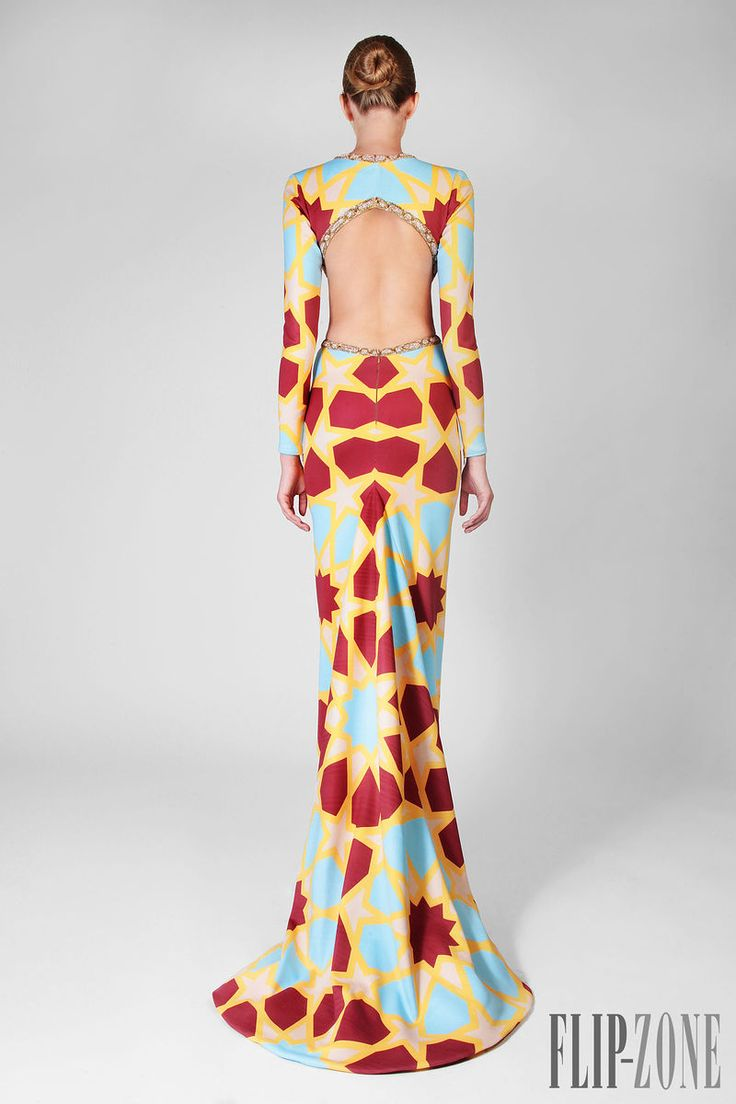 Rami Kadi Fall-winter 2014-2015 - Couture - http://www.flip-zone.net/fashion/couture-1/independant-designers/rami-kadi-4818