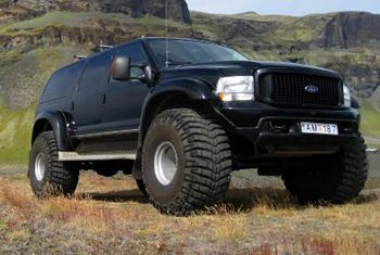 iceland vehicles | FORD EXCURSION