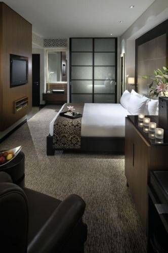 ...deluxe rooms, state of the art fitness centre, 5 restaurants... ***** The Address, Dubai Mall Hotel, Dubai, UAE