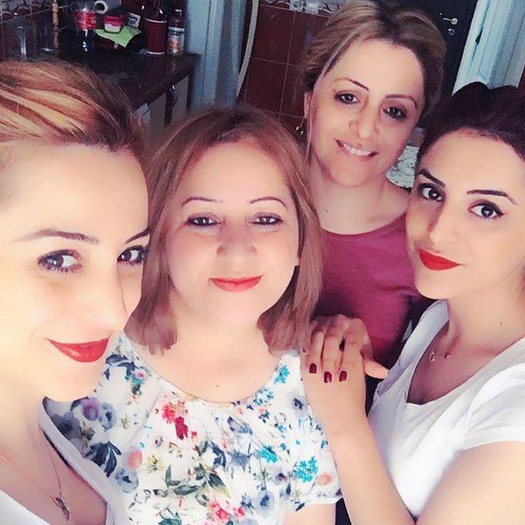 #herşey #herkezin #olabilir #siz #benimle #olun #yeter #aile #ablalı #kardesli #hapiness #can #herseyim  #like4like #gecenin #en #güzel #tbt #instagram #ipone6s #altın #kızlar #3 #sarı #bi #kızıl #saç ���������� http://turkrazzi.com/ipost/1522017384347608820/?code=BUfSr9AAib0