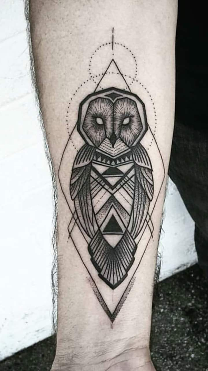 Signification chouette tatouage galerie tatouage - Signification tatouage chouette ...