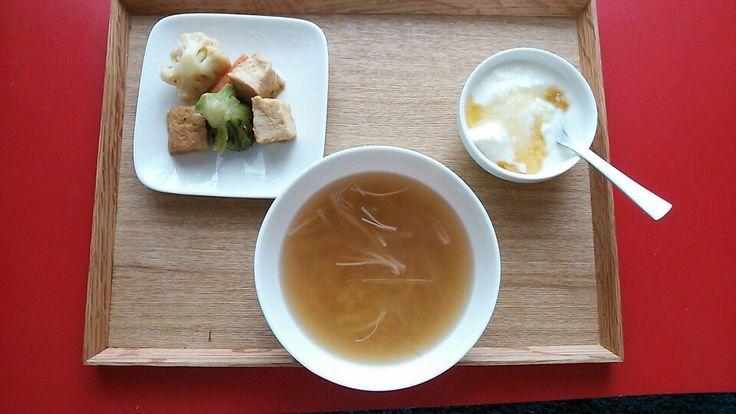 厚揚げと温野菜の中華炒め、えのきスープ、ヨーグルト