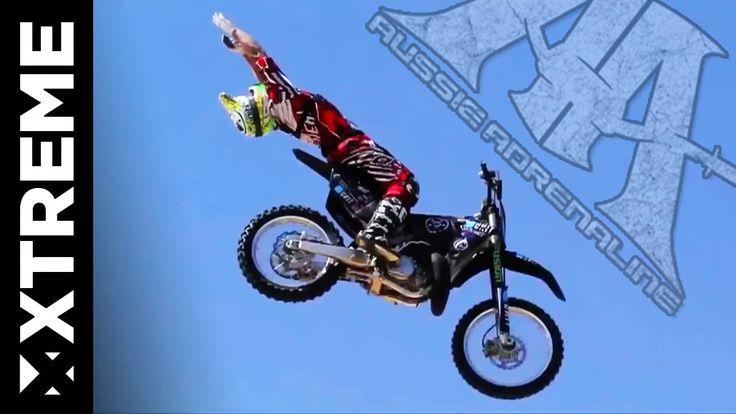 DasAussie Adrenaline Team zeigt sein Können mit den Motocross Maschinen. Beeindruckend!