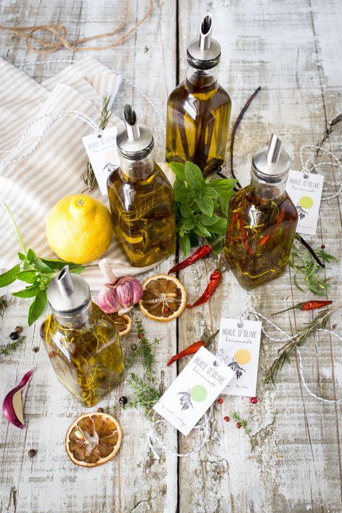 Huiles d'olive Parfumées citron-basilic, piment-estragon, vanille-poivre de Voatsiperifery, et romarin-thym et ail