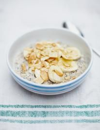 These brilliant porridge recipes will give you great ideas to jazz up this breakfast favourite. Fruity, syrupy or nutty – give it a go.