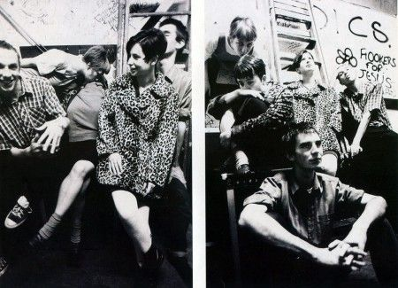 """HUGGY BEAR - """"Our Voltage"""" (Peel Session) - Record of the Day -"""