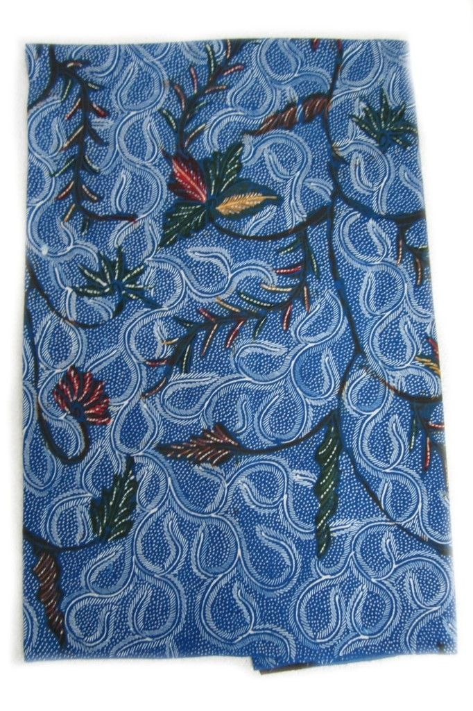 Highly detailed flower and vine pattern batik from Madura, Indonesia. Textiil designs and sources authentic artisan made batiks from Indonesia.