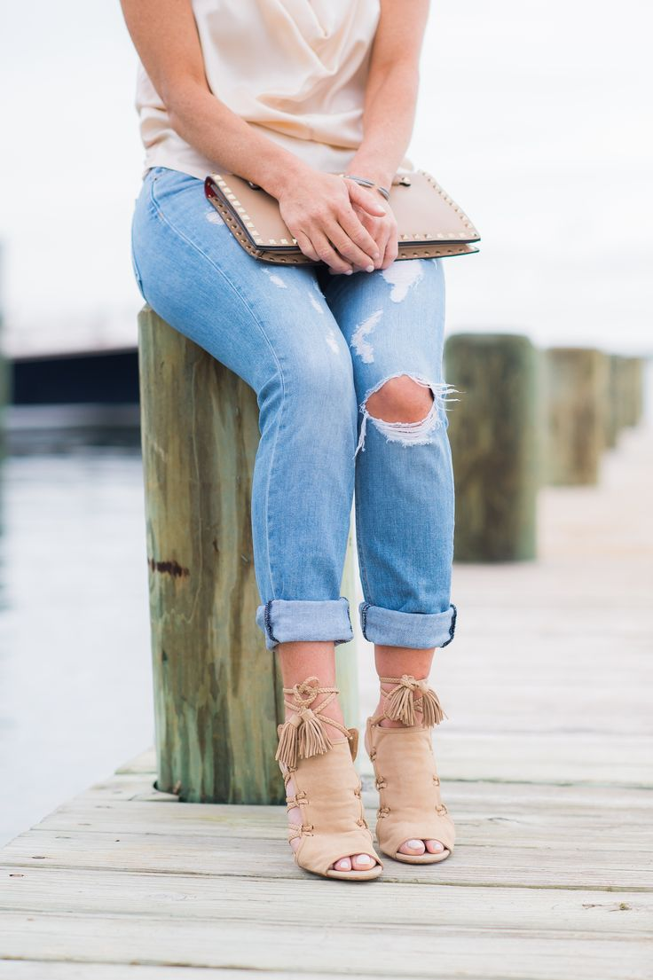 5 essential outfits for your seaside getaway  Shoespiration Nantucket, MA photo credit: Rebecca Love Photography http://tarawestfashion.com/blog-1