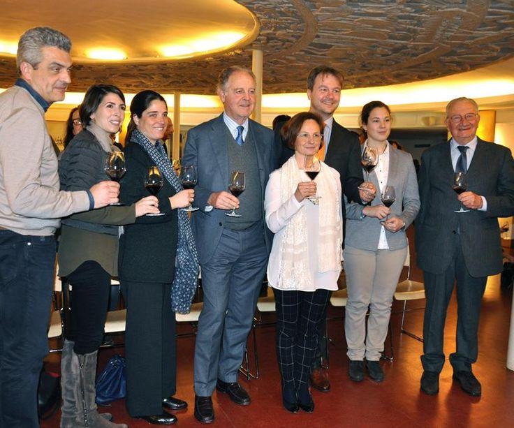 """Alcuni tra i più grandi produttori che hanno fatto la storia del vino Italiano! Un brindisi con Sassicaia vintage 2012 in onore del grande enologo Giacomo Tachis, a """"Simply the Best"""", cinque giornate del bere."""