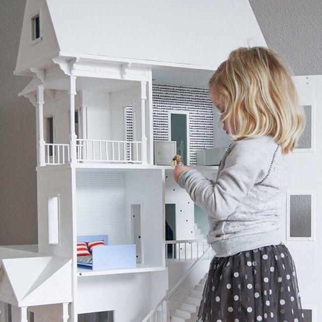 construire une maison de barbie en bois oui je sais a. Black Bedroom Furniture Sets. Home Design Ideas