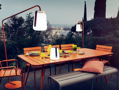 Outdoor garden table and lamp -   Balad Wireless by Fermob - chair and table - Fermob