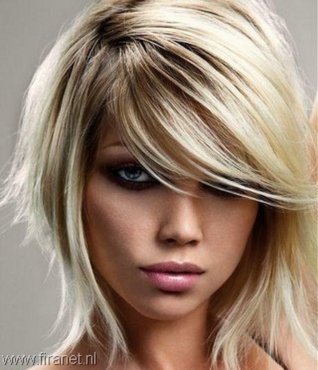 Kapsels halflang dun haar
