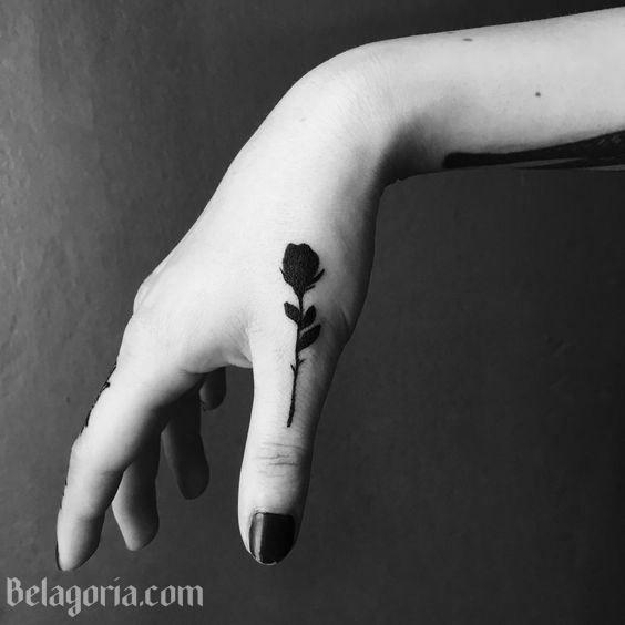 Tatuajes De Rosas Negras Para Chicas Tatuajes Tatuaje Rosa Negra