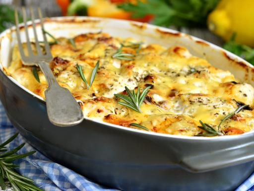 poivre, riz, Poissons, crême fraîche, champignon, sel, béchamel, fromage râpé