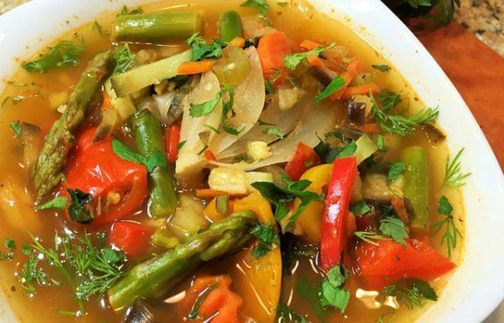 Этот суп способствует очищению организма! Вес уменьшается, а здоровье укрепляется.Питаться таким супом нужно на протяжении недели.