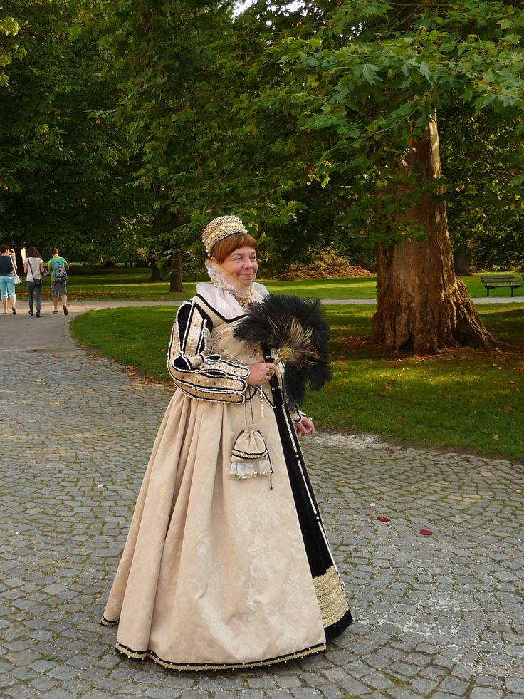 Ája as Elizabeth I,  Třeboň 2014