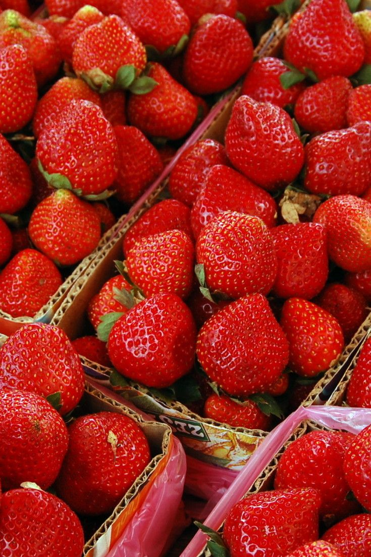 Why You Should Only Buy Organic Strawberries