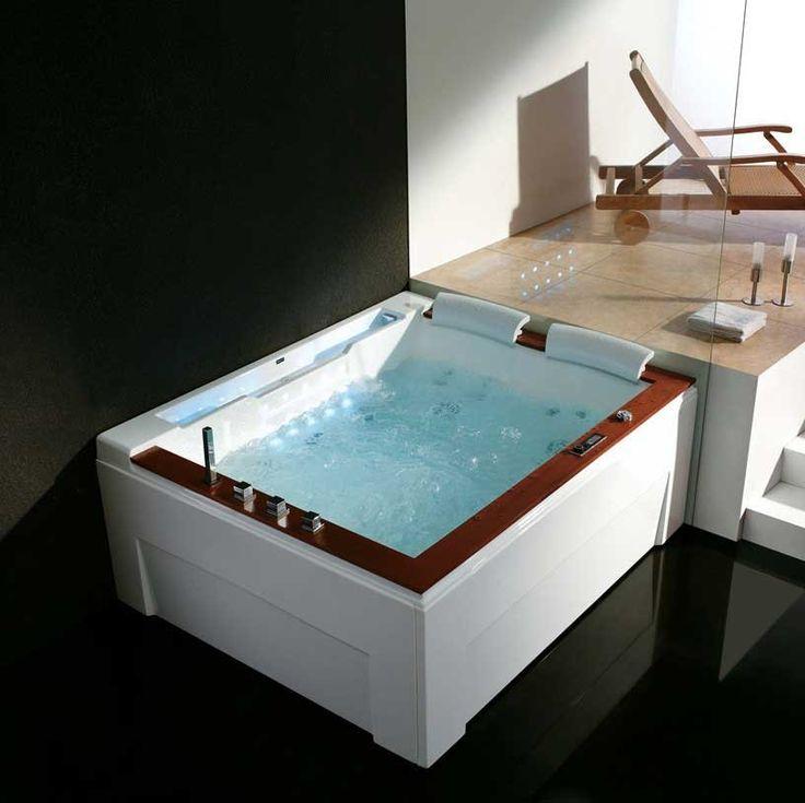California Luxury Whirlpool Tub