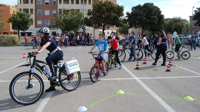 Sassari: 120 studenti delle medie in bici per imparare il codice della strada