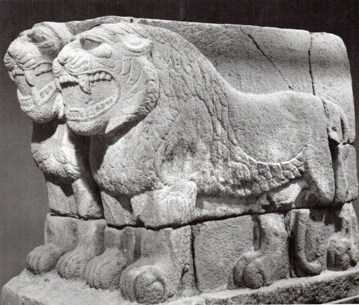 Hittite, two monumentale lion, Göllüdağ-Kayseri (Kurt Bittel) (Erdinç Bakla archive)
