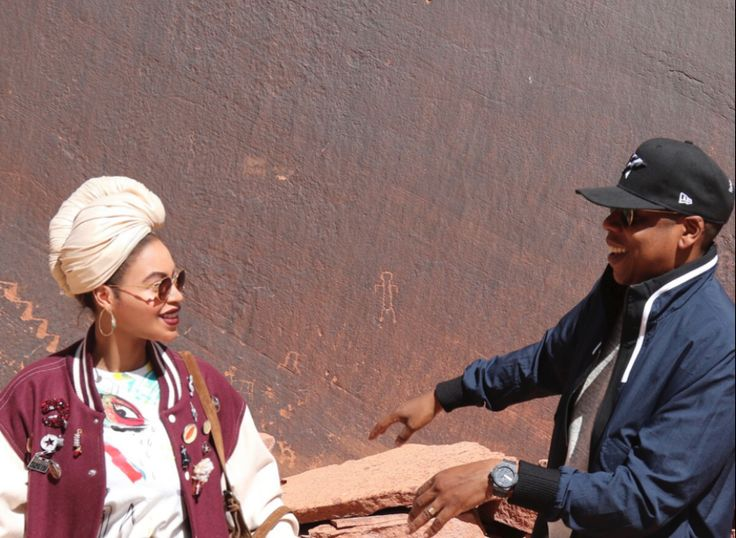 "BEYONCE CELEBRATES HER LOVE ANNIVERSARY WITH JAY Z WEARING A DONIA ALLEGUE TURBAN  In honor of their ninth anniversary on Tuesday, April 4, 2017, Beyoncé posted a series of photos on her website (www.beyonce.com) via an album titled ""4.4.16 Anniversary,"" taken at the Grand Canyon in Arizona, one year ago.  www.doniaallegue.com"