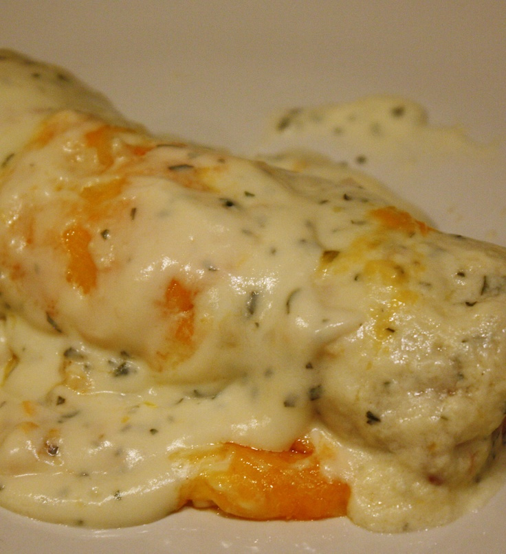"""Must Repin!  Skinny Sour Cream Enchiladas!  One of the best recipes I have ever tried!""gotta try it!!"