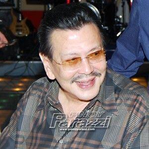 Mayor Joseph Estrada, aliw na aliw sa mga kandidata ng Miss Gay Manila http://www.pinoyparazzi.com/mayor-joseph-estrada-aliw-na-aliw-sa-mga-kandidata-ng-miss-gay-manila/