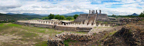 Тула - город в Мексике  Итак, современная центральная Мексика, штат Идальго. Здесь были обнаружены остатки древнейшей цивилизации человечества. В превосходном состоянии, как отмечают археологи. Тула - настоящая сокровищница пернатого змея Кетцалькоатля, археологическая зона, древний город тольтеков. Место фантастической энергетики: ступенчатые пирамиды, храмы, скульптуры воинов и поля для игры в мяч.🔗 Тула - город в Мексике #отпуск #отдых #туристическийжурнал