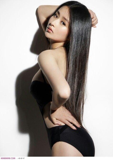 Chinese actress in sexy pose, Ying er