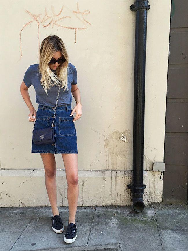 No te resistas: las faldas vaqueras (con botones) son un must