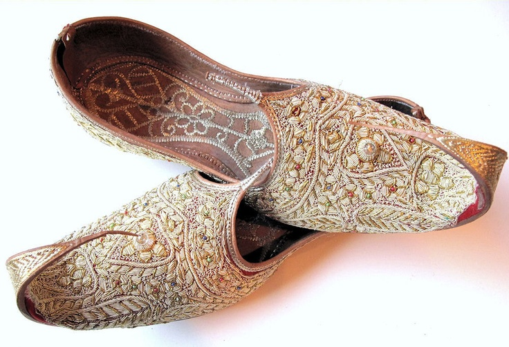Vintage Arabian Nights Wedding Slipper Shoes-Khussas with Zardosi Embroidery from Pakistan.