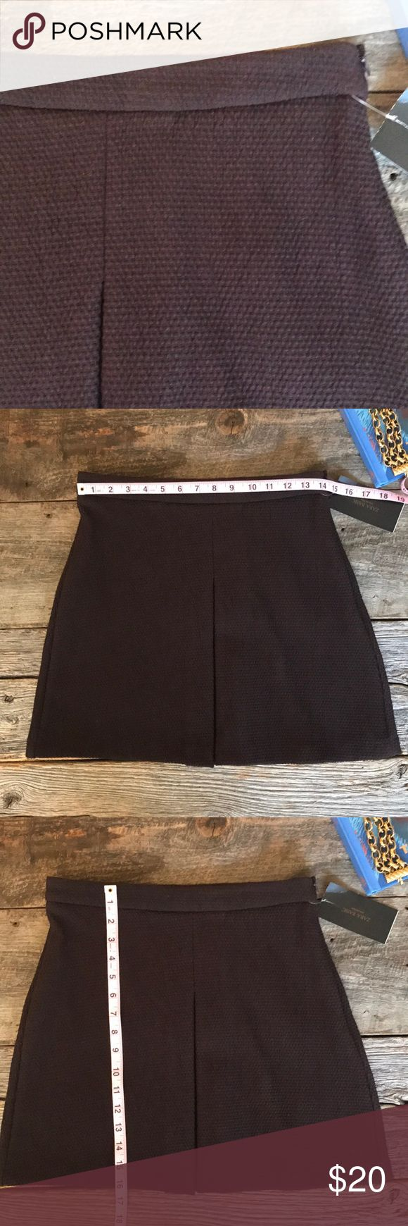 || Zara || Front Panel Brown Skirt From Zara Basic, this cotton blend front-panelled skirt is in excellent, New with Tags condition. In deep, dark chocolate brown, you can wear this skirt with tops, jackets, and sweaters. Left side zip. Zara Skirts Mini